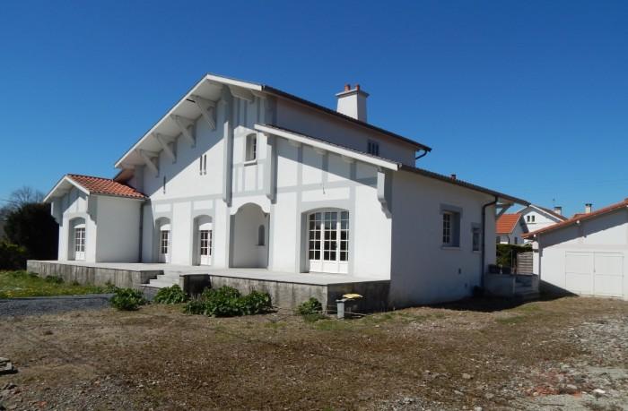 Belle et grande villa viager occup tarbes aquitaine for Maison tarbes