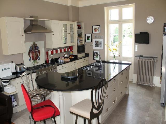 Maison  390 m² 11 pièces