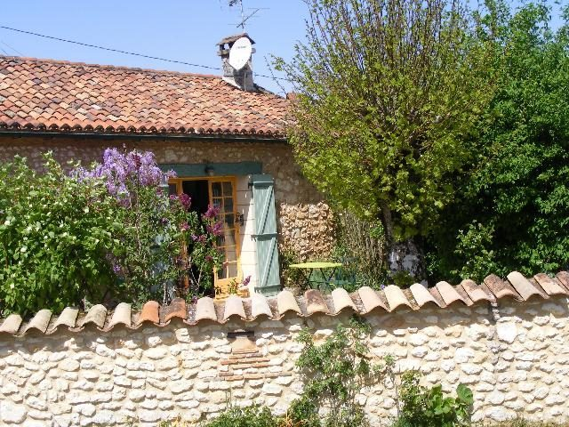 Maison en pierre 3/4 chambres avec piscine et jardin