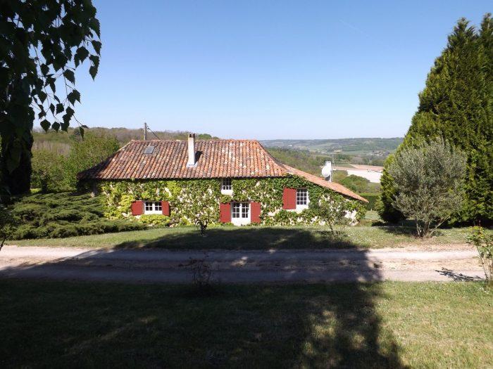 125 m² Maison Manzac-sur-Vern Hameau  5 pièces