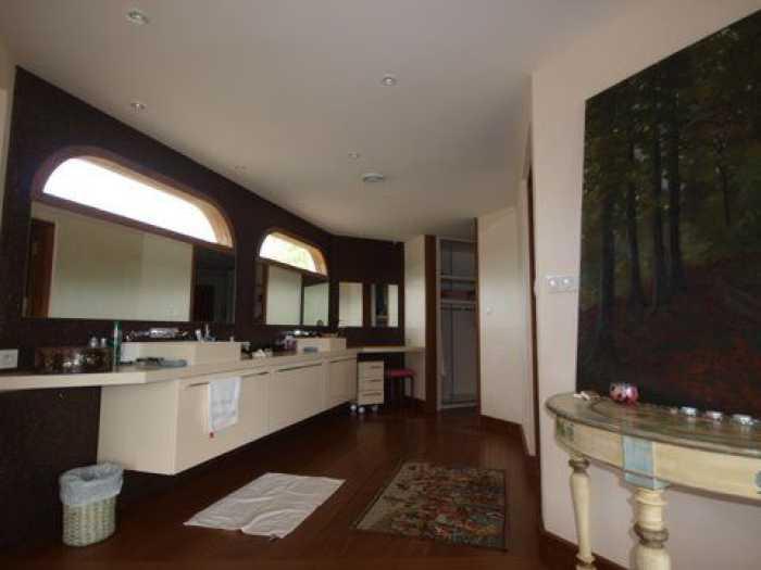 Maison  320 m² 5 pièces