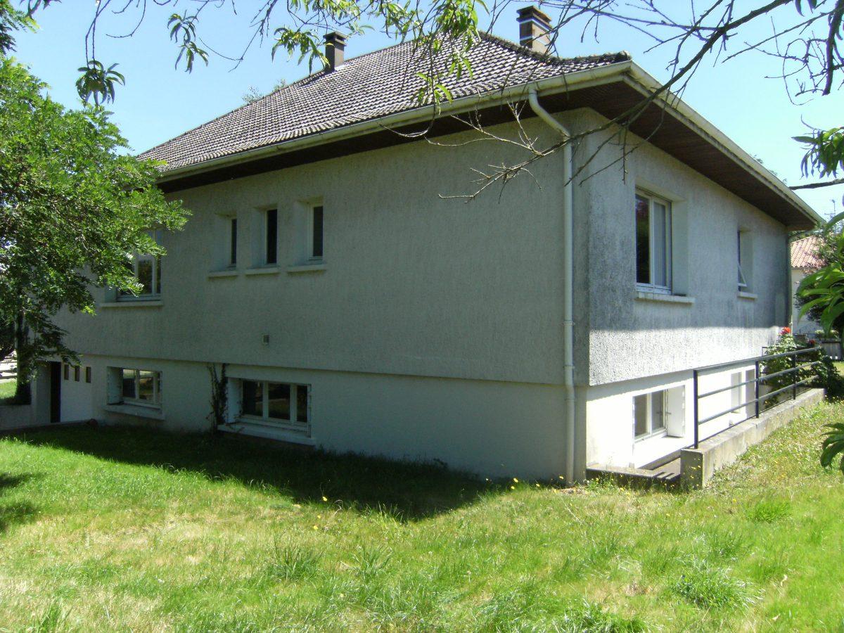 Pavillon sur sous sol parthenay alpha immobilier parthenay for Vente maison individuelle wasquehal