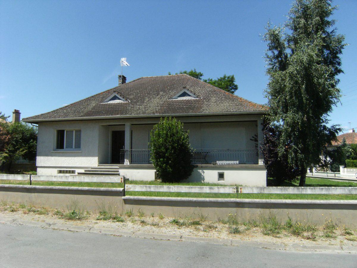 Pavillon sur sous sol parthenay alpha immobilier parthenay for Vente maison individuelle rombas