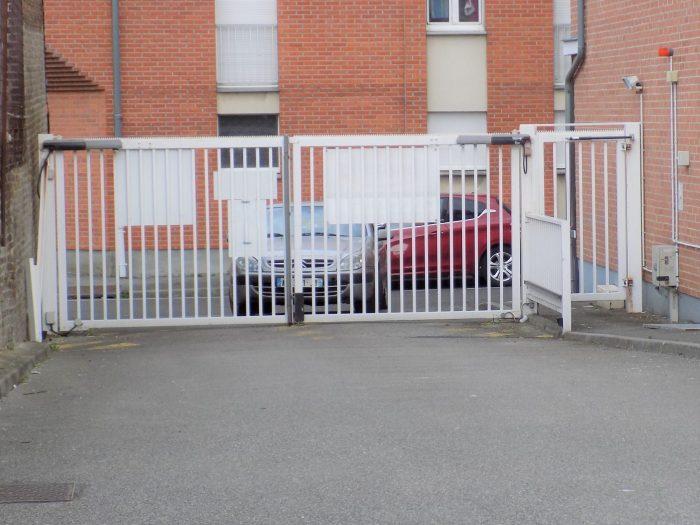 vente garage parking amiens 212m 76 000 sur le partenaire. Black Bedroom Furniture Sets. Home Design Ideas