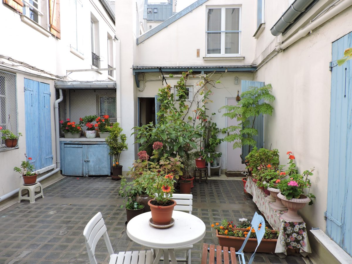 Charmant studio atypique paris atypiquement votre paris for Vente appartement paris atypique