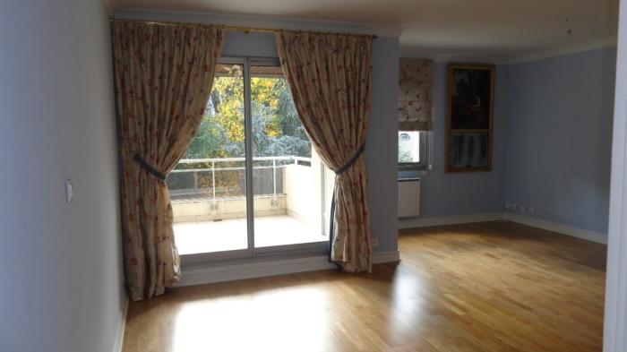 Vente Appartement 6 pièces - 90 m² à Thiers (63300)