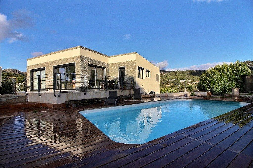 Villa moderne 175 m la treille 13011 marseille jsl for Architecte marseille maison individuelle