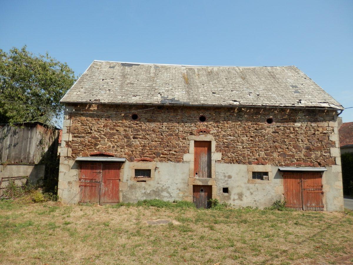 Grange en pierre apparante avec vue partir du jardin for Maison neuf