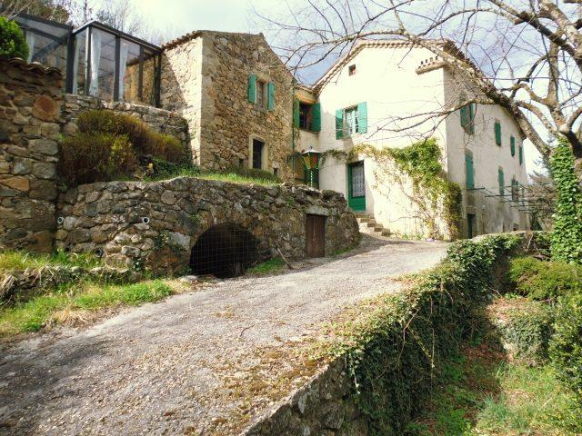 Vente Maison 8 pièces - 330 m² à Saint-Sauveur-de-Montagut (07190)