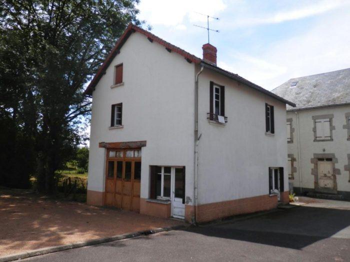 Maison dans un village tranquille biollet a la campagne for Constructeur maison individuelle puy de dome