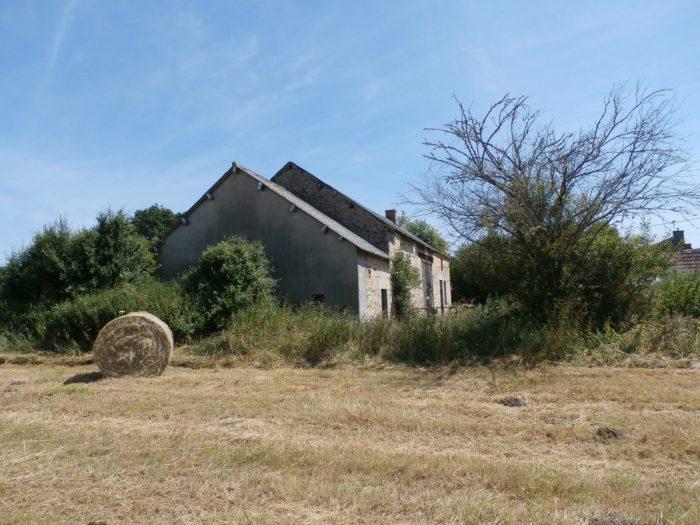 Grange avec ancienne partie habitation et 4600 m de for Taxe habitation garage non attenant
