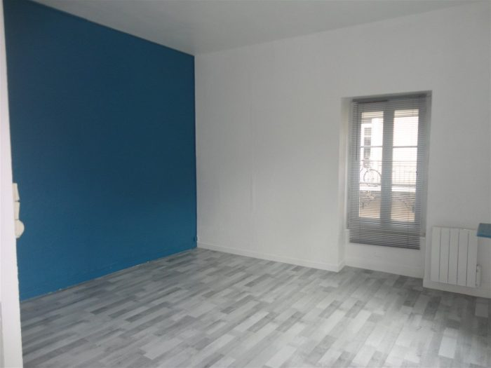Location annuelle Appartement CHAGNY 71150 Saône et Loire FRANCE