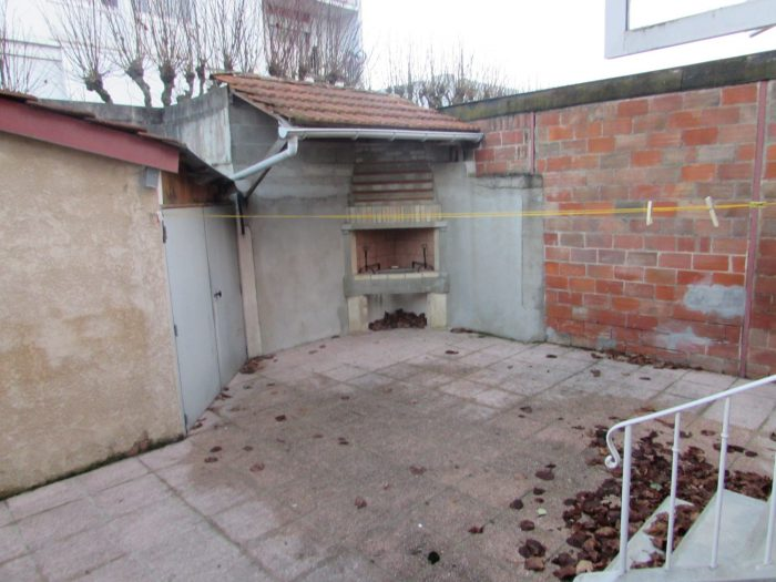 Belle petite maison vitry le fran ois christophe mahout for Garage vitry le francois