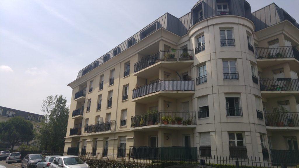 T3 r sidence haussman bordeaux cabinet de la course for Appartement t3 bordeaux