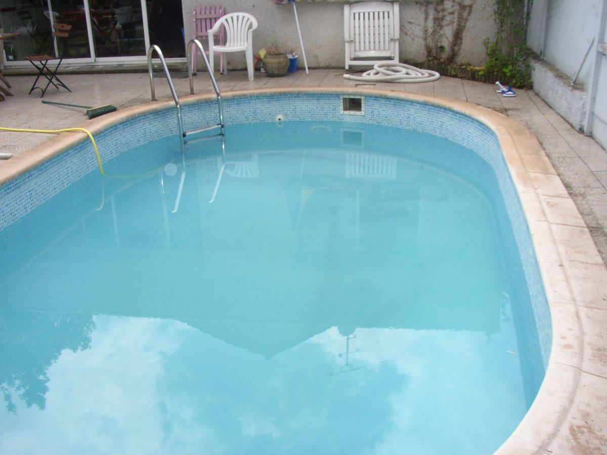 Maison 132m2 piscine 24m2 montreuil garantie totale for Piscine montreuil