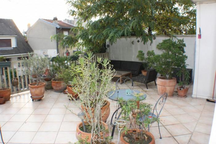 appartement avec terrasse de 50m fontenay sous bois g m. Black Bedroom Furniture Sets. Home Design Ideas