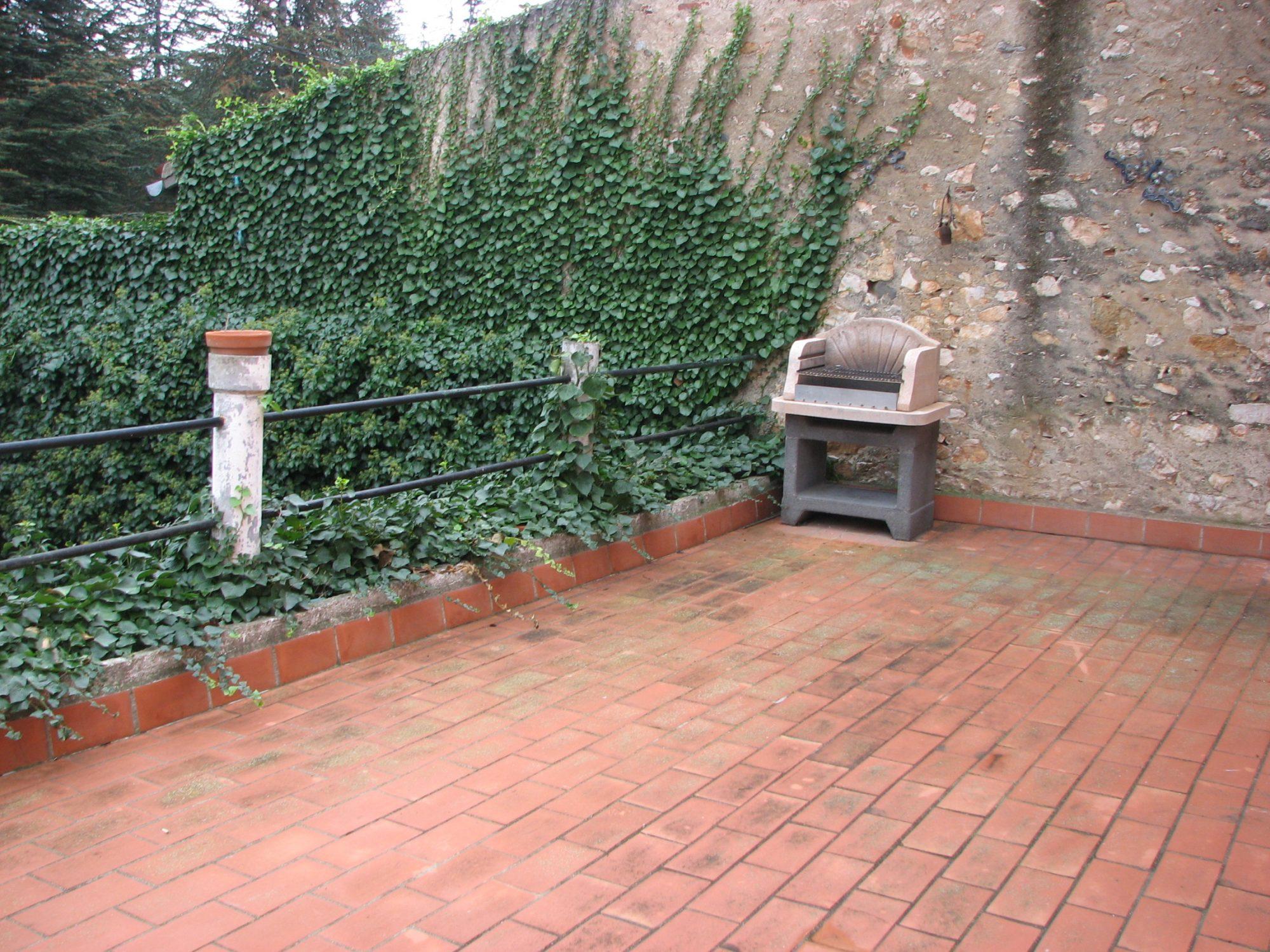 Maison de village avec jardin terrasse estagel agence for Jardin terrasse immobilier