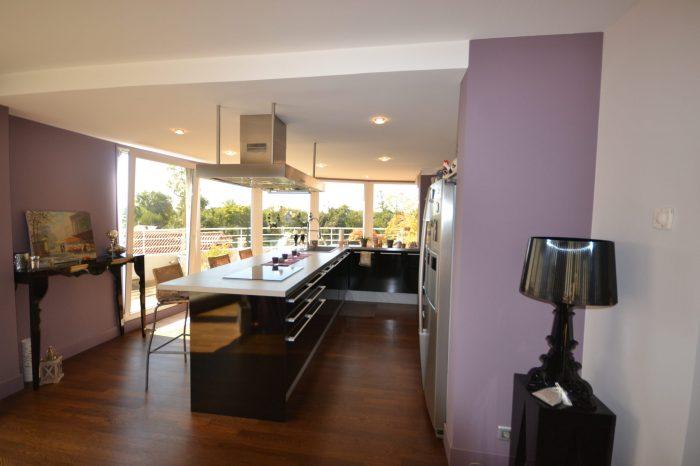 Appartement   121 m² 4 pièces