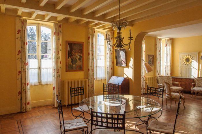 Vente Maison 6 chambres - 10 pièces - 400 m² à Bourges (18000)