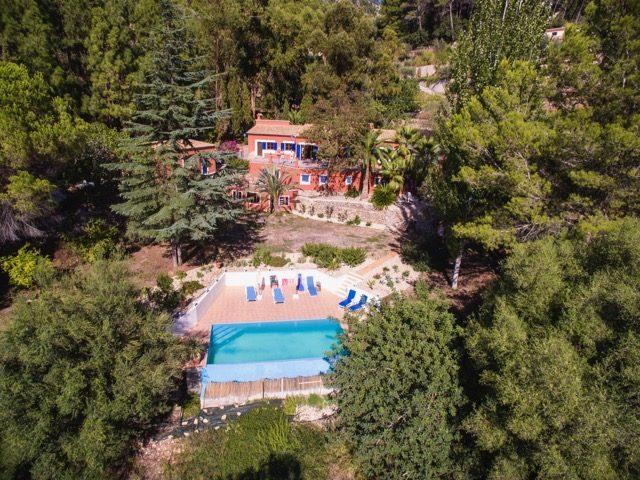 Vente Maison 5 chambres - 7 pièces - 260 m² à ESPORLES (07190)