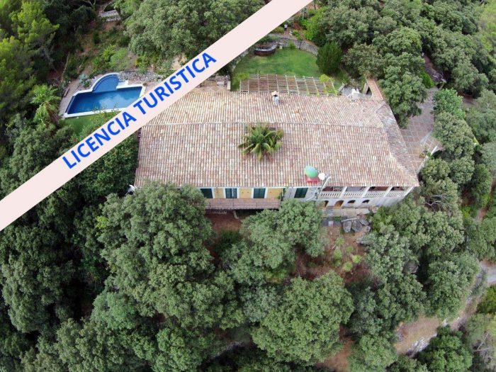 Vente Maison 4 chambres - 9 pièces - 560 m² à ESPORLES (07190)