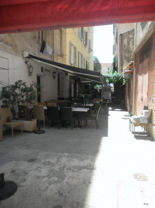 Sur le port tino rossi ajaccio isula ajaccio for Chambre de commerce ajaccio