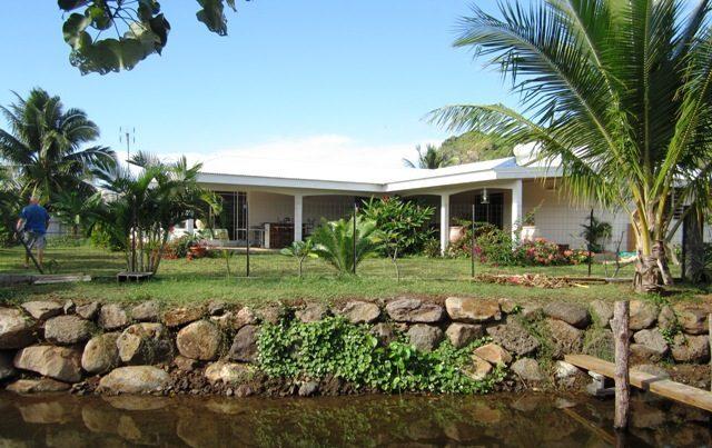 moorea maison standing 3ch bord de lac temae jeanine sylvain papeete. Black Bedroom Furniture Sets. Home Design Ideas