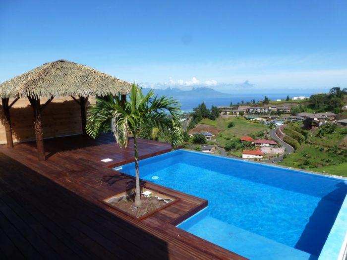 vue moorea pour cette maison de type f4 avec piscine punaauia jeanine sylvain papeete. Black Bedroom Furniture Sets. Home Design Ideas