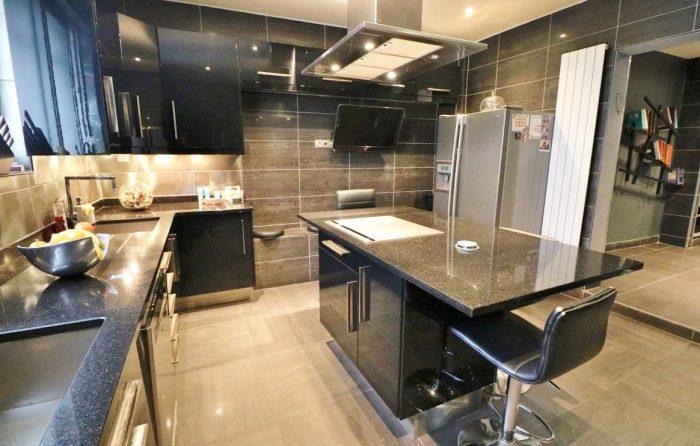 Vente Appartement 7 chambres - 10 pièces - 348 m² à Montreuil (93100)