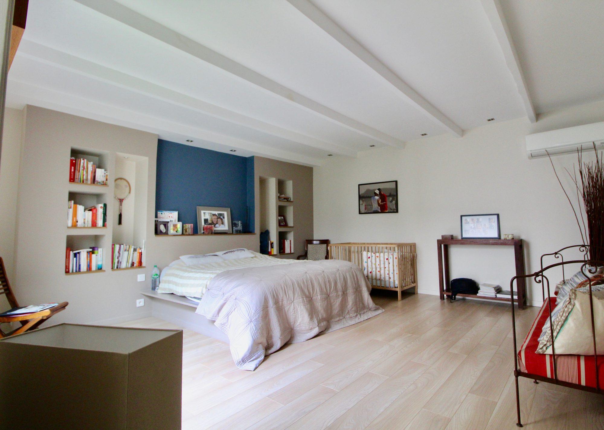 maison 7 pi ces type architecte neuilly plaisance. Black Bedroom Furniture Sets. Home Design Ideas