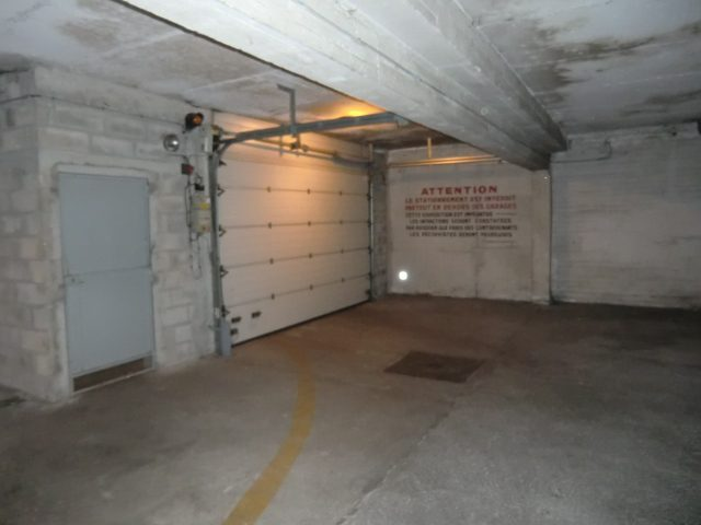 Garage 1 voiture 1 moto bourges agence lorz bourges for Voiture occasion bourges garage
