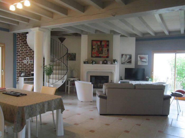 Vente Maison 4 chambres - 14 pièces - 190 m² à Ch (17340)
