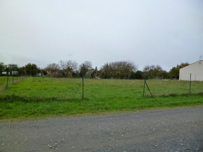 Achat terrain vouill les marais 85450 acheter terrain for Achat terrain financement