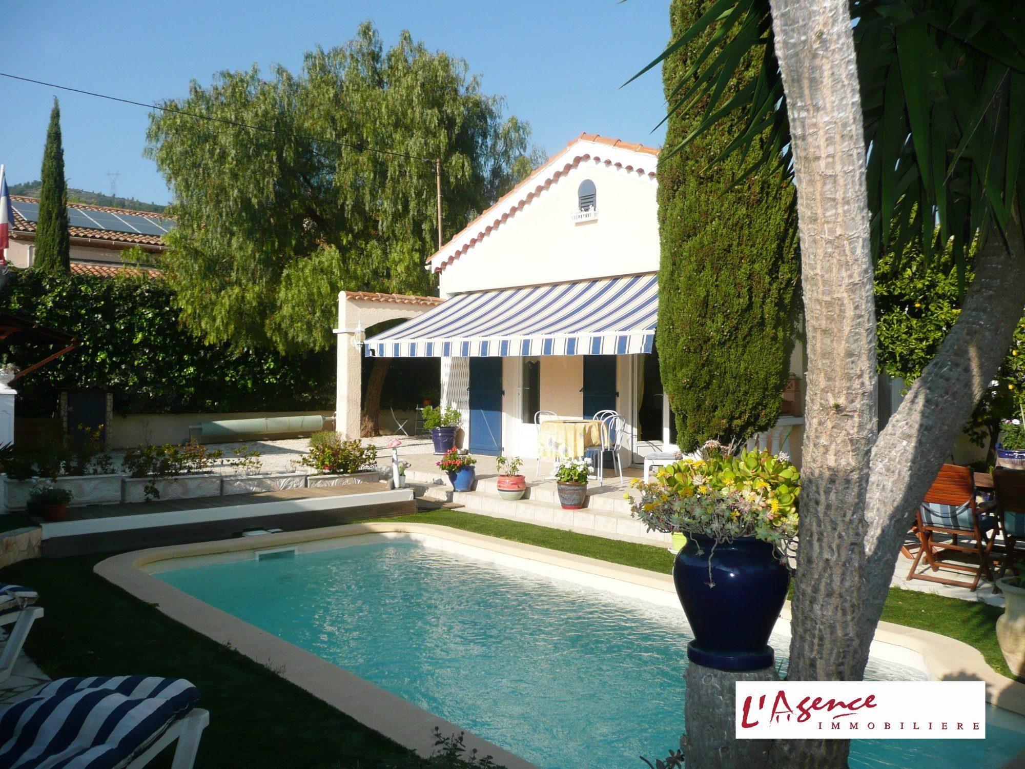 villa parfait etat au calme toulon l 39 agence immobili re toulon. Black Bedroom Furniture Sets. Home Design Ideas