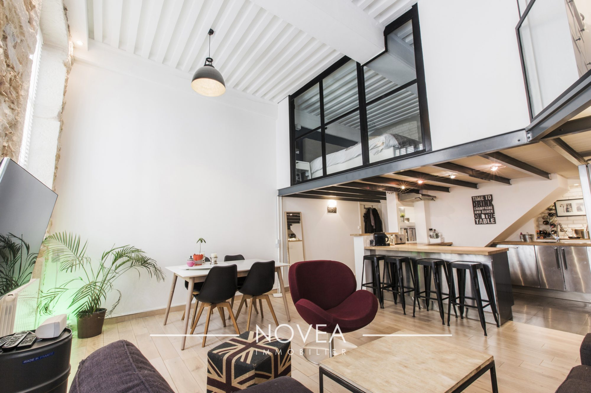 Appartement t4 2 chambres croix rousse centre lyon for Appartement original lyon