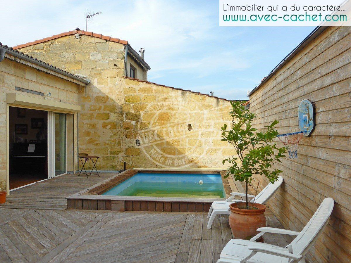 bordeaux tondu appartement maison avec terrasse piscine et garage bordeaux. Black Bedroom Furniture Sets. Home Design Ideas