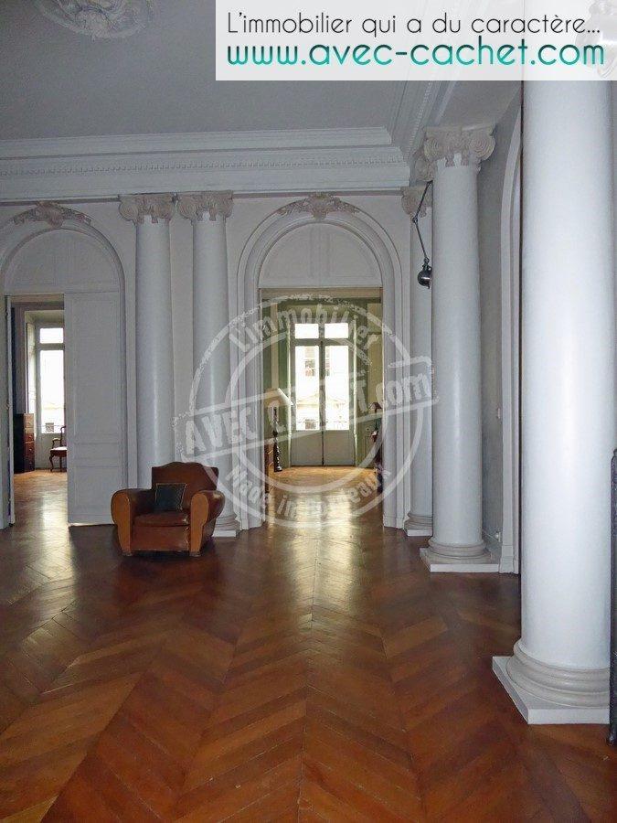 Bordeaux quinconces jardin public appartement de 280 for Appartement bordeaux
