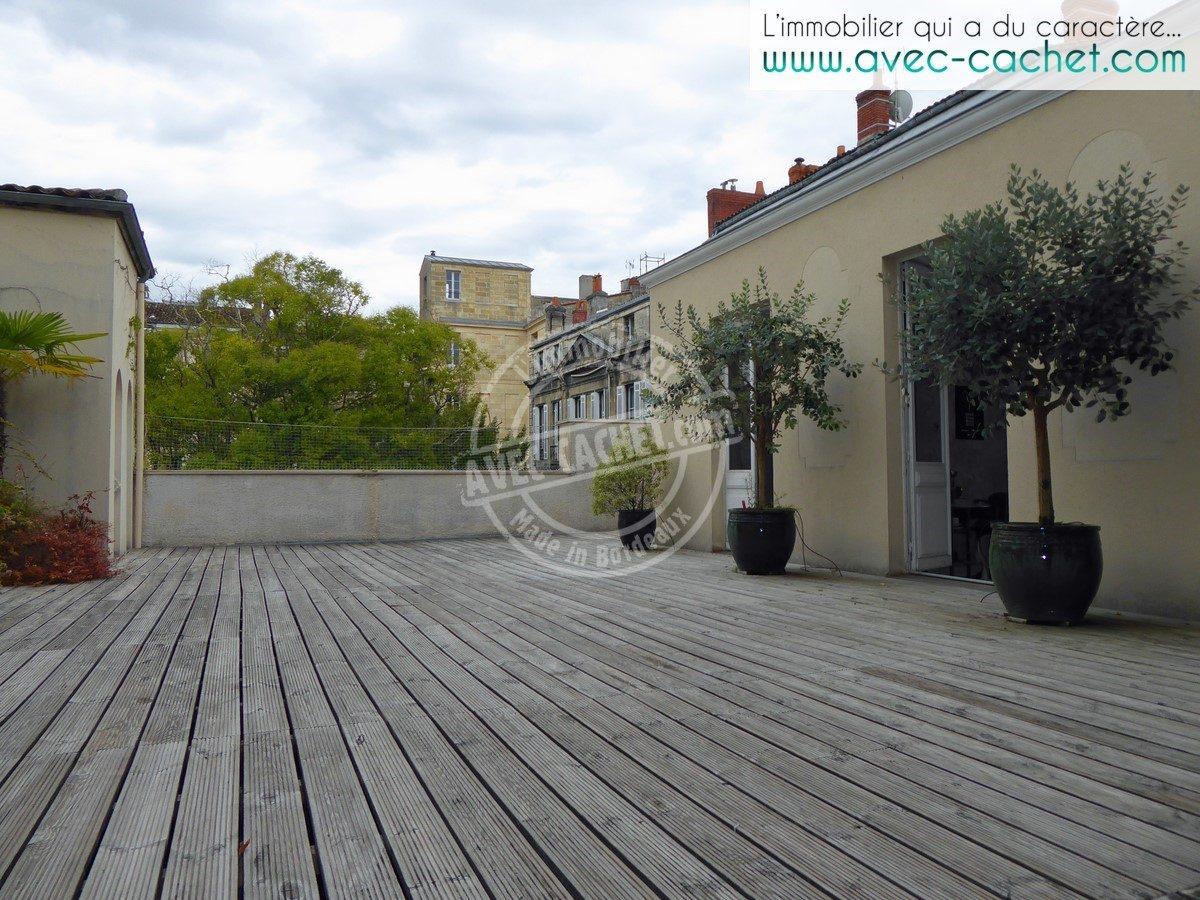 bordeaux quinconces jardin public appartement de 280 m avec terrasse de 145 m ascenseur. Black Bedroom Furniture Sets. Home Design Ideas