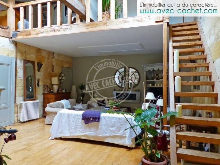 Echoppe r nov e 4 chambres volume et charme bordeaux for Appartement bordeaux ornano