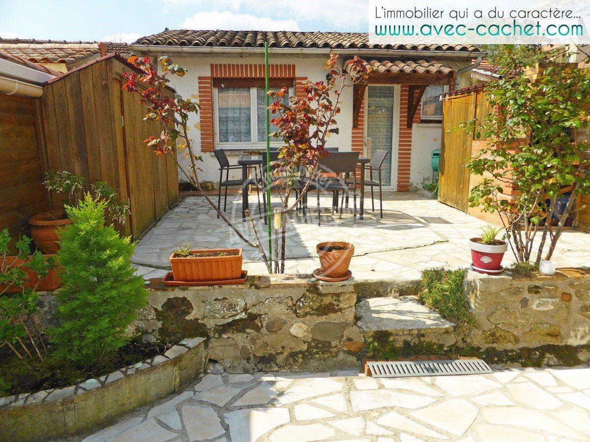 bordeaux barri re de toulouse echoppe simple avec jardin ouest bordeaux. Black Bedroom Furniture Sets. Home Design Ideas