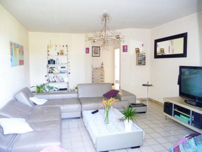 Appartement  93 m² 4 pièces