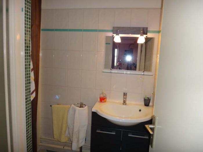 Appartement   4 pièces 84 m²