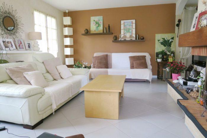 Maison   99 m² 4 pièces