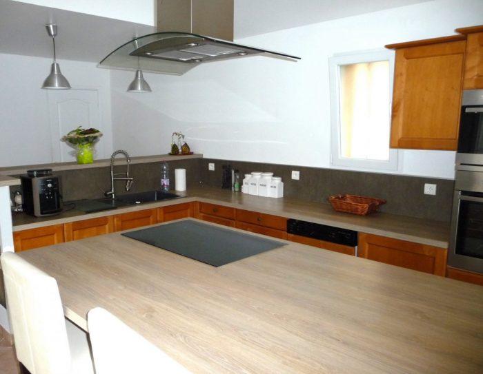 Maison 176 m² Bazus  8 pièces