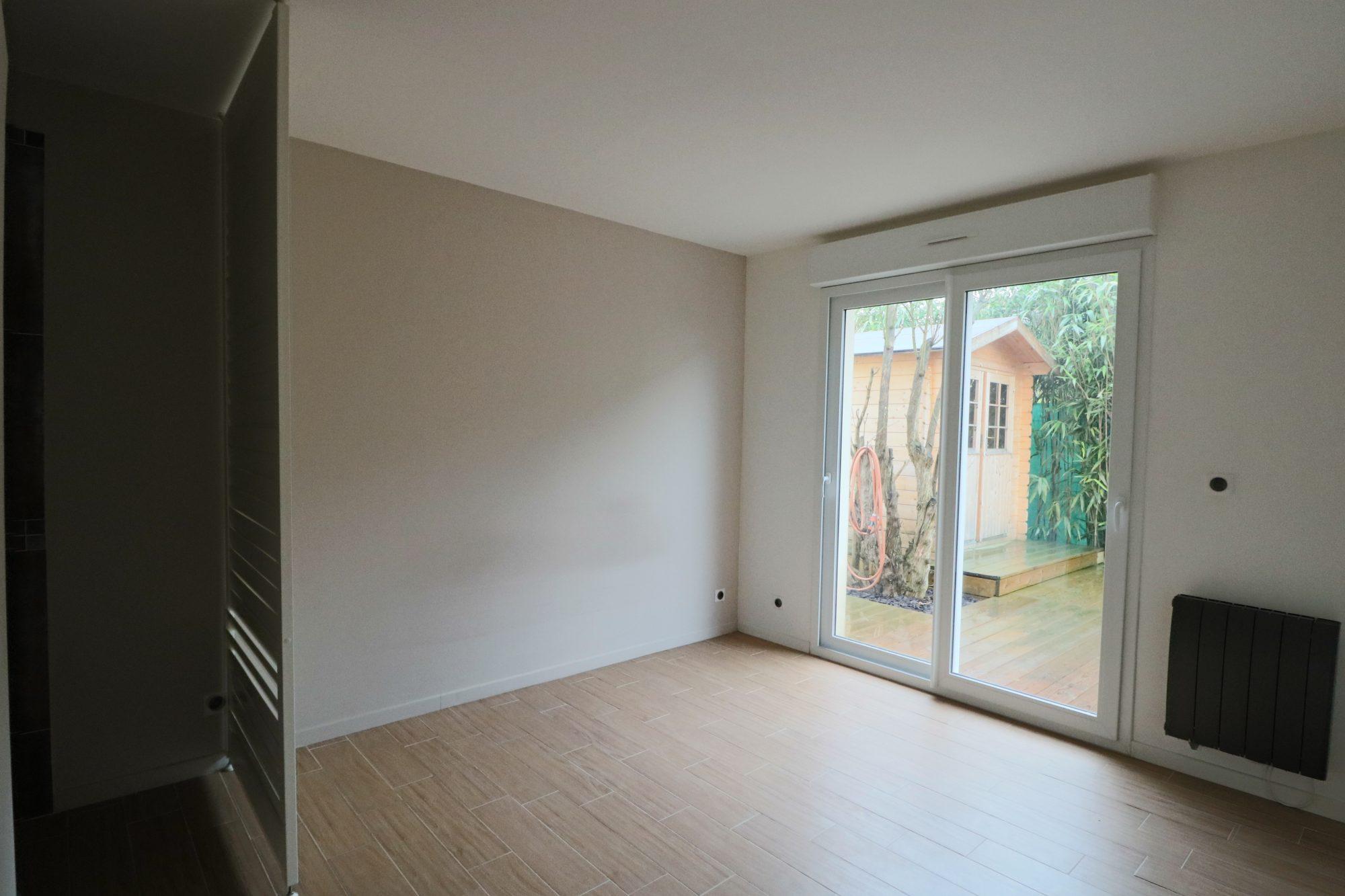 f3 refait neuf herblay premierappart com. Black Bedroom Furniture Sets. Home Design Ideas