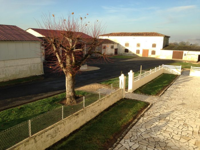 Propriété <b>2 ha </b> Charente-Maritime (17)