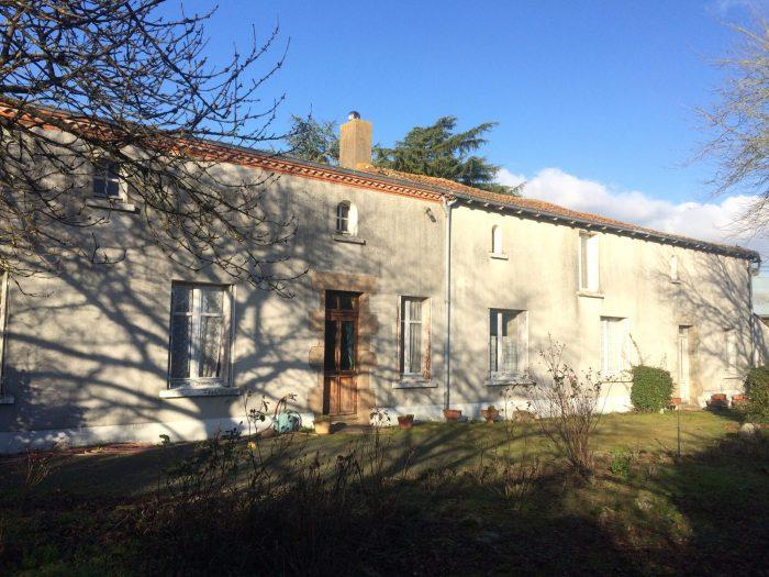 Propriété <b>2 ha 44 a </b> Maine-et-Loire (49)