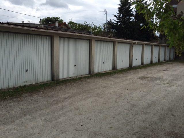 2 garages dammarie l s lys immobiliere saint roch saint. Black Bedroom Furniture Sets. Home Design Ideas