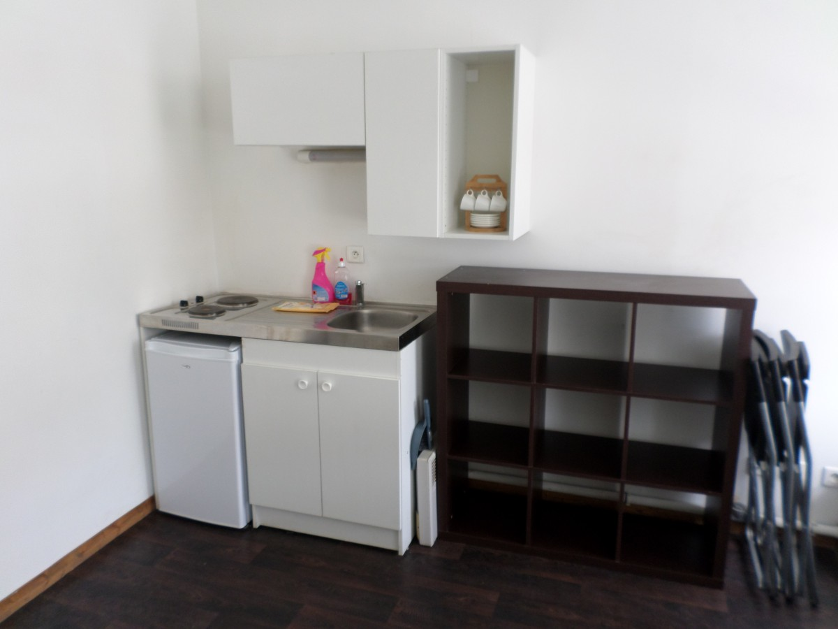 F2 meuble rue solferino lille sweet immobilier for Appartement meuble lille