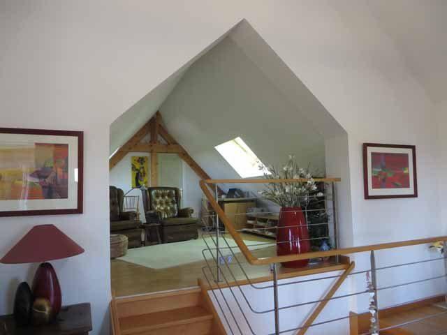 Une belle maison de campagne rénovée entièrement équipée sur un terrain d'environ 1 ha de terres et de forêts dans le Parc régional du Morvan